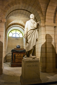 077_Pantheon crypt Voltaire-2