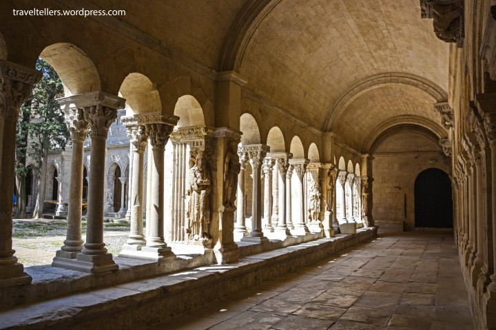 029_Cloister of St. Trophime-2