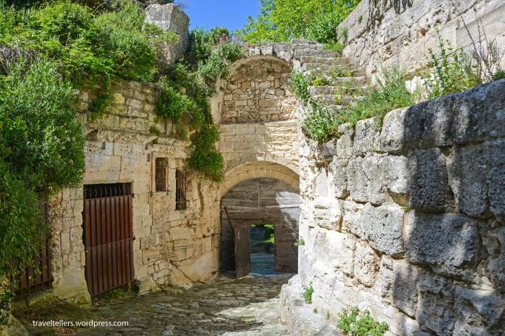 002_Eyguieres Gate-2