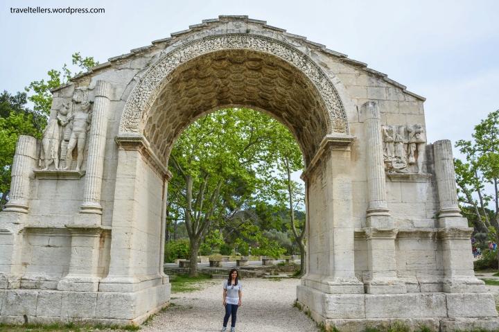 007_Triumphal arch of Glanum-2