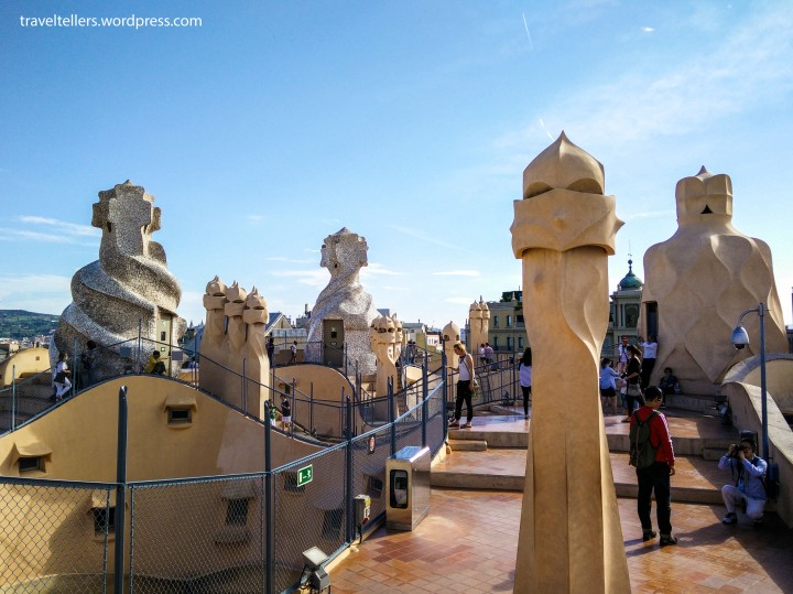 010_Casa Mila_Roof and chimneys-2