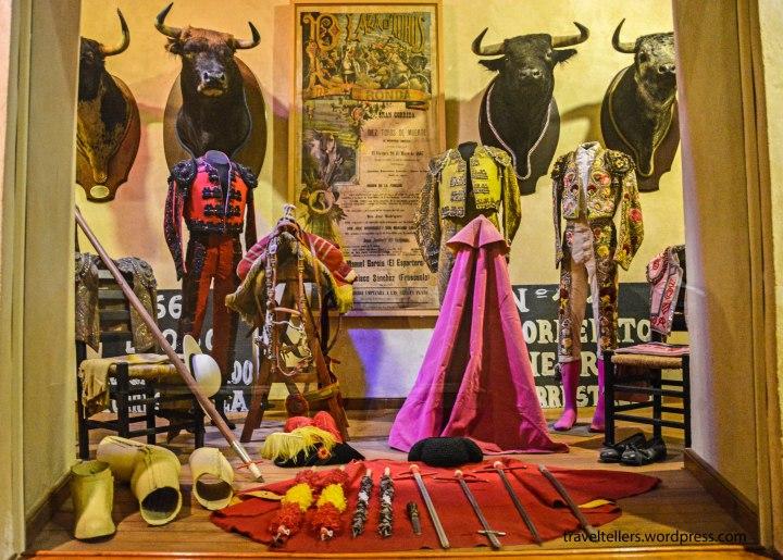 002_costumes-of-matadors-2