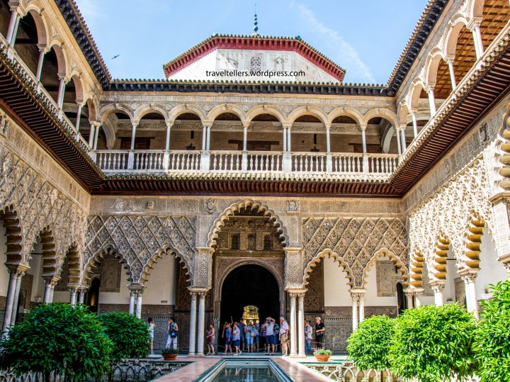 016_alcazar_the-courtyard-of-the-maidens-2