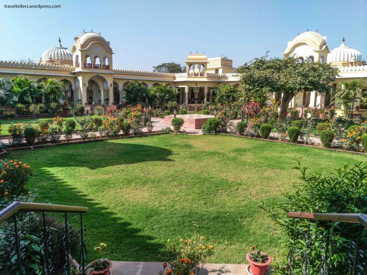 006 Amar Mahal Courtyard