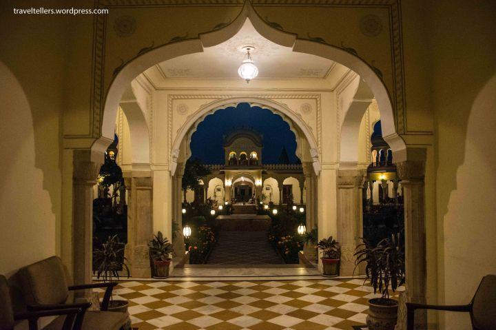 09 Amar Mahal Courtyard