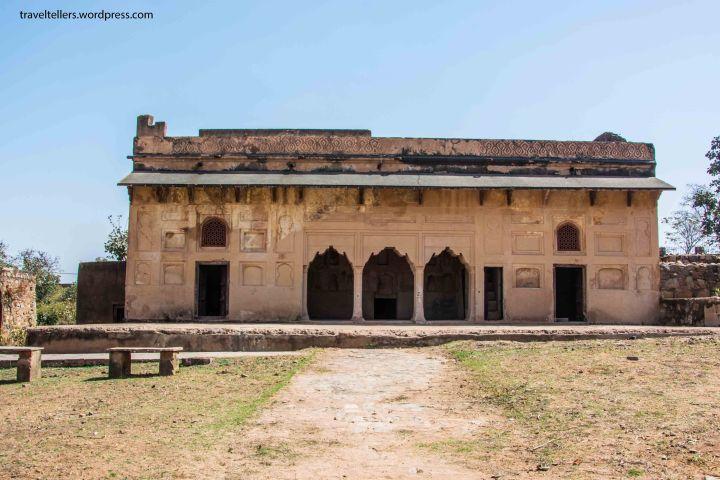 105 Hamam Khana