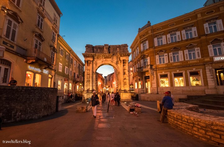 Arch of the Sergii  Pula