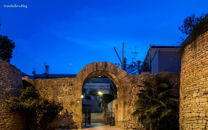 Hercules Gate Pula